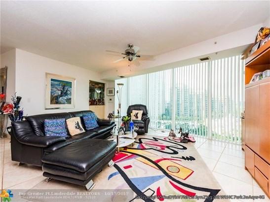 Condo/Co-op/Villa/Townhouse - Aventura, FL (photo 5)
