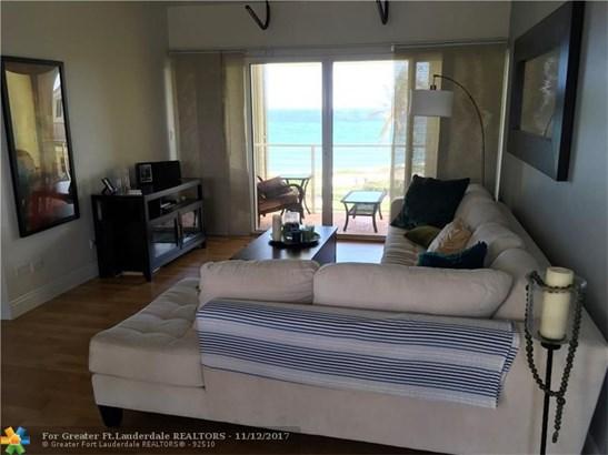 Condo/Co-op/Villa/Townhouse - Hillsboro Beach, FL (photo 3)