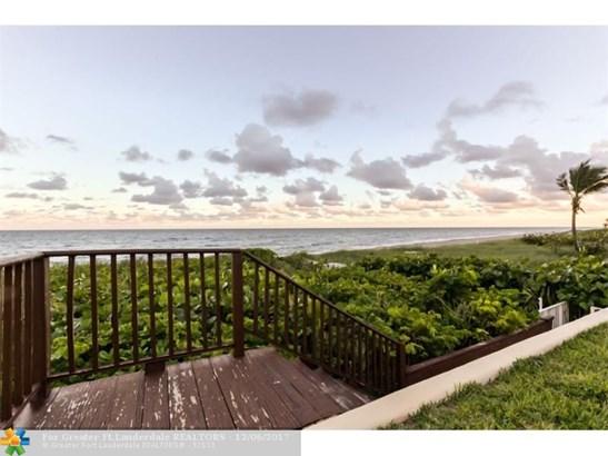 Condo/Co-op/Villa/Townhouse - Highland Beach, FL (photo 3)