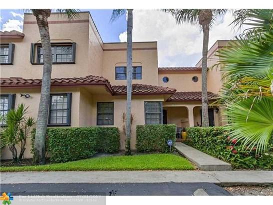 Condo/Co-Op/Villa/Townhouse, Townhouse Fee Simple - Fort Lauderdale, FL (photo 1)