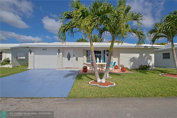 Single Family - Tamarac, FL