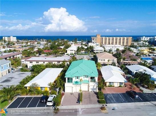Condo/Co-op/Villa/Townhouse - Lauderdale By The Sea, FL (photo 2)