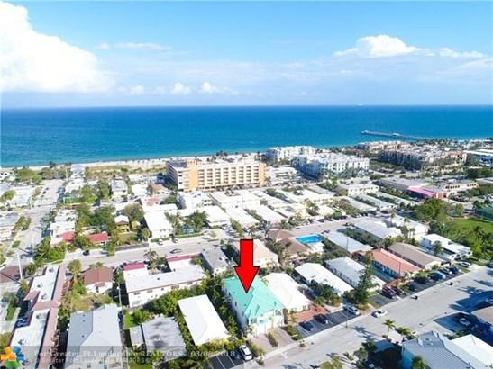 Condo/Co-op/Villa/Townhouse - Lauderdale By The Sea, FL (photo 3)
