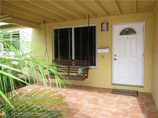 No Pool/No Water, Single Family - Fort Lauderdale, FL (photo 2)