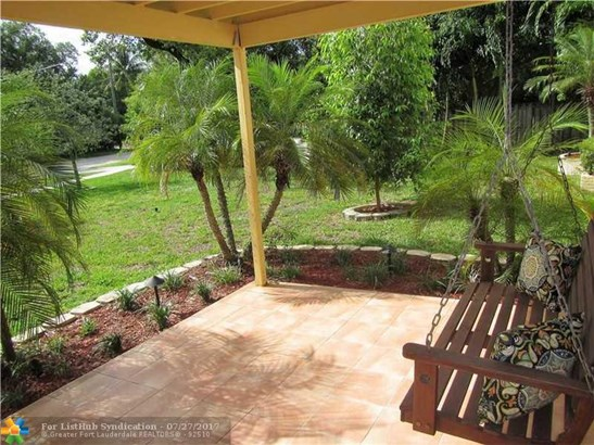 No Pool/No Water, Single Family - Fort Lauderdale, FL (photo 3)