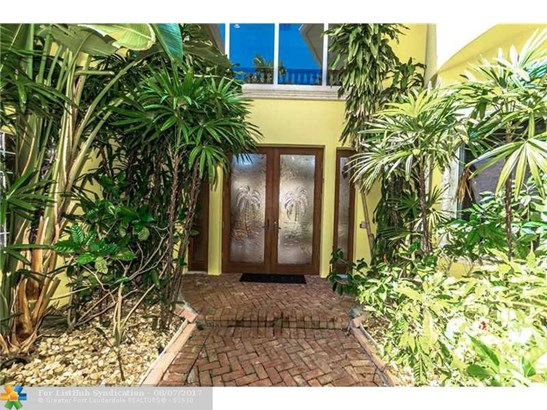 Single Family, WF/Pool/Ocean Access - Lighthouse Point, FL (photo 2)