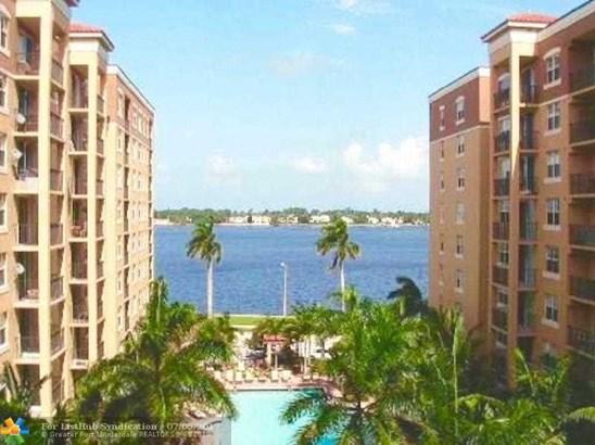 Condo/Co-Op/Villa/Townhouse, Condo 5+ Stories - West Palm Beach, FL (photo 4)