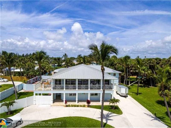 Pool Only, Single Family - Hutchinson Island, FL (photo 2)
