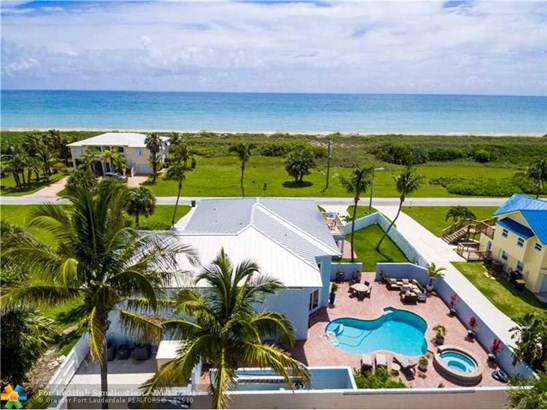 Pool Only, Single Family - Hutchinson Island, FL (photo 4)