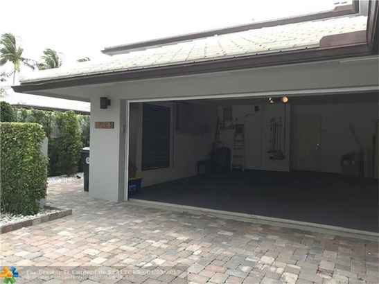 Condo/Co-op/Villa/Townhouse - Boca Raton, FL (photo 2)