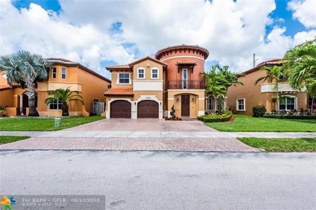 Single Family - Miami, FL (photo 2)
