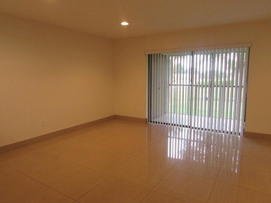 Condo/Coop - Boca Raton, FL (photo 4)