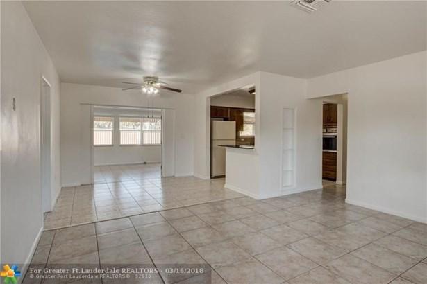 Single Family - Pembroke Pines, FL (photo 3)