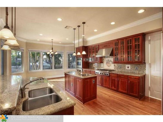Single Family, WF/Pool/Ocean Access - Lighthouse Point, FL (photo 3)