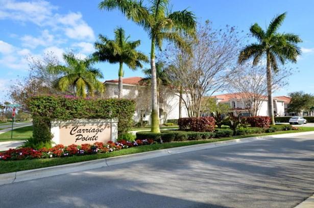 Townhouse, < 4 Floors,Contemporary,Townhouse - Boynton Beach, FL (photo 2)