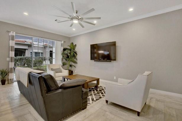 Townhouse, < 4 Floors,Contemporary,Townhouse - Boynton Beach, FL (photo 4)