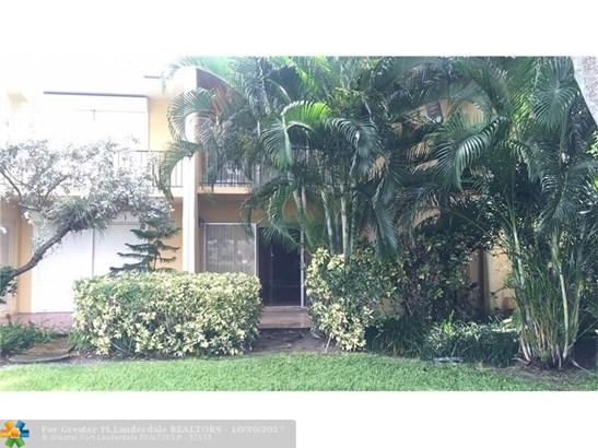 Condo/Co-op/Villa/Townhouse - Pompano Beach, FL (photo 3)