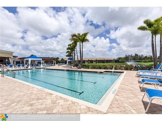 Condo/Co-op/Villa/Townhouse - Delray Beach, FL (photo 1)