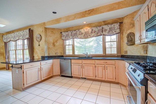 Transitional, Single Family Residence - Colerain Twp, OH (photo 5)