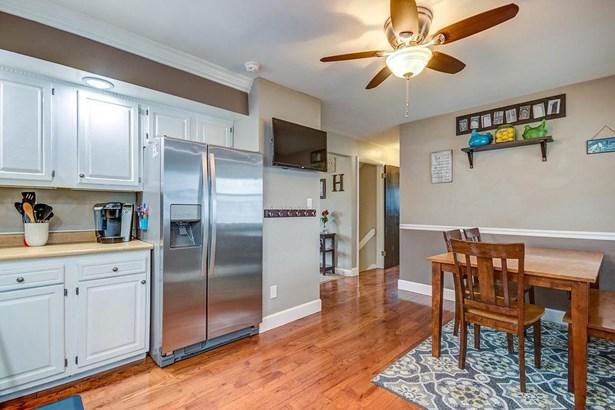 Cape Cod, Single Family Residence - Colerain Twp, OH (photo 5)
