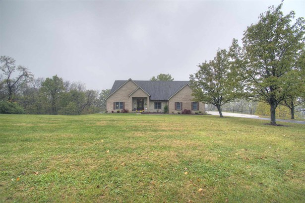 Single Family,Single Family Detached, Traditional - Petersburg, KY