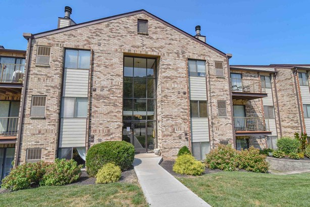 Condominium,Single Family Attached, Traditional - Southgate, KY