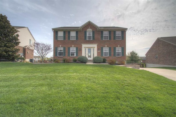 Single Family,Single Family Detached, Traditional - Hebron, KY