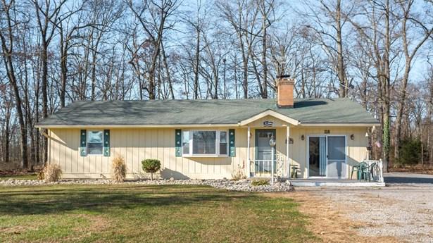 Single Family Residence, Ranch - Jackson Twp, OH