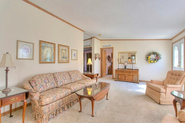 Ranch,Traditional, Single Family Residence - Green Twp, OH (photo 3)