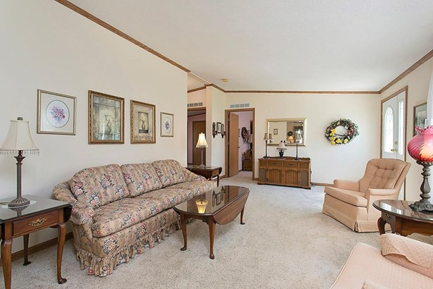 Ranch,Traditional, Single Family Residence - Green Twp, OH (photo 5)