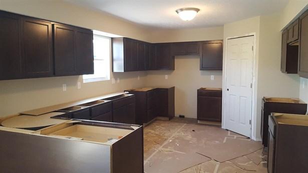 Single Family Residence, Traditional - Monroe, OH (photo 2)