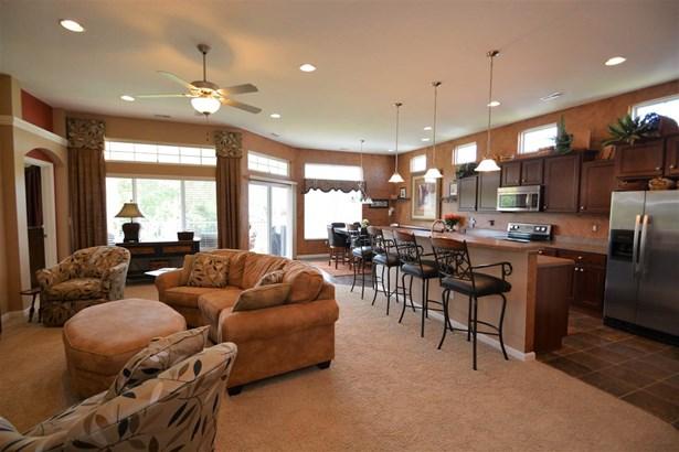 Condominium,Single Family Attached, Traditional - Burlington, KY (photo 1)