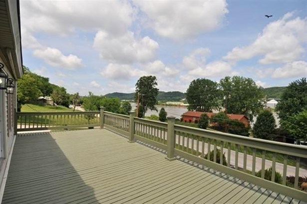 Cottage, Single Family,Single Family Detached - Bromley, KY (photo 2)