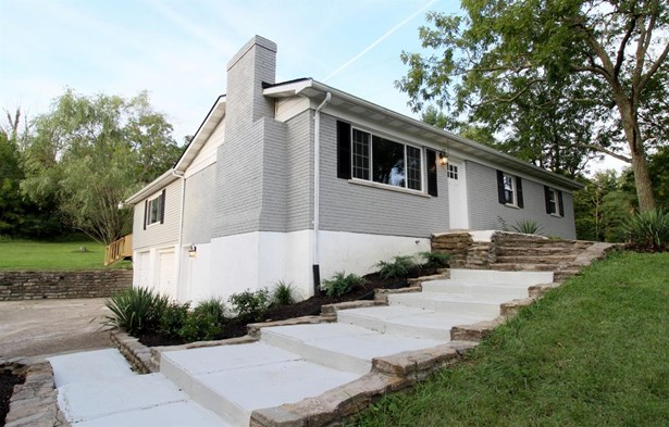 Single Family Residence, Traditional - Ohio Twp, OH