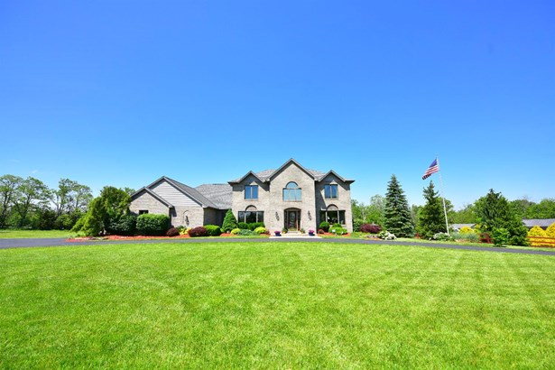 Single Family Residence, Traditional - Morgan Twp, OH (photo 2)