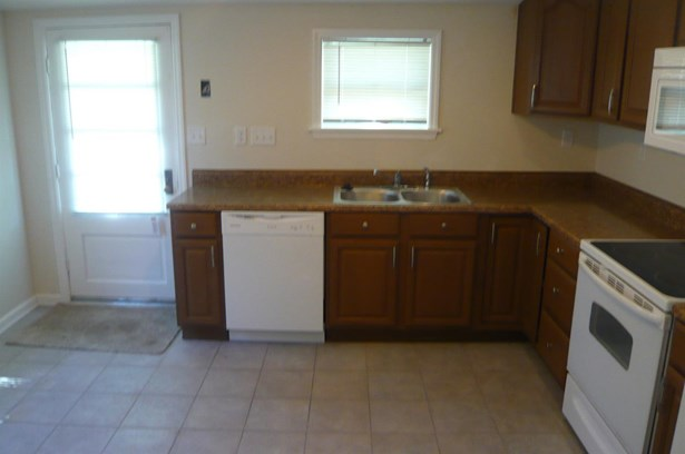 Cape Cod, Single Family Residence - Harrison, OH (photo 4)