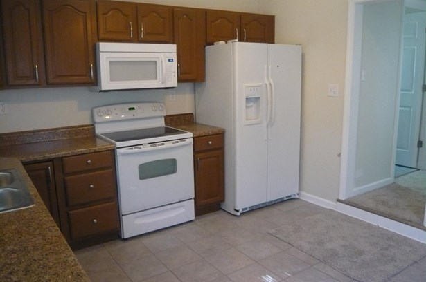 Cape Cod, Single Family Residence - Harrison, OH (photo 5)