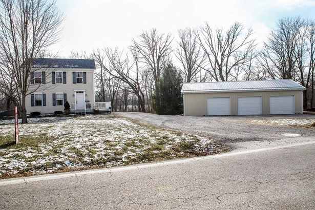 Single Family Residence, Traditional - Jackson Twp, OH (photo 1)