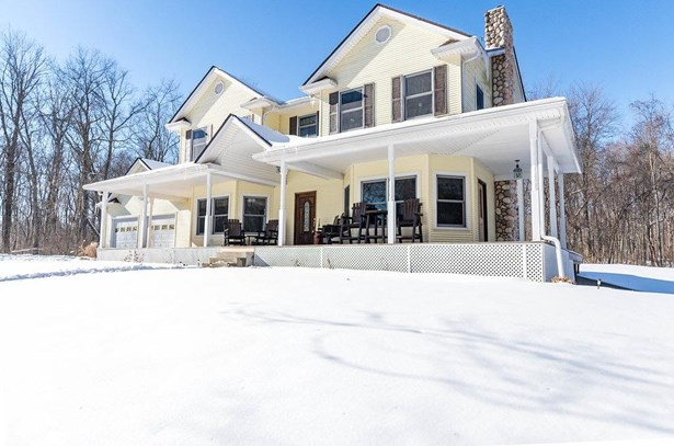 Single Family Residence, Colonial - Batavia Twp, OH (photo 3)