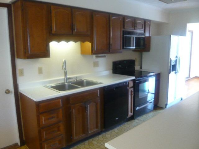 Single Family Residence, Ranch - Ross Twp, OH (photo 2)