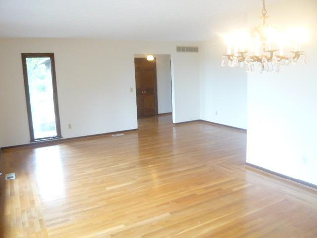 Single Family Residence, Ranch - Ross Twp, OH (photo 4)