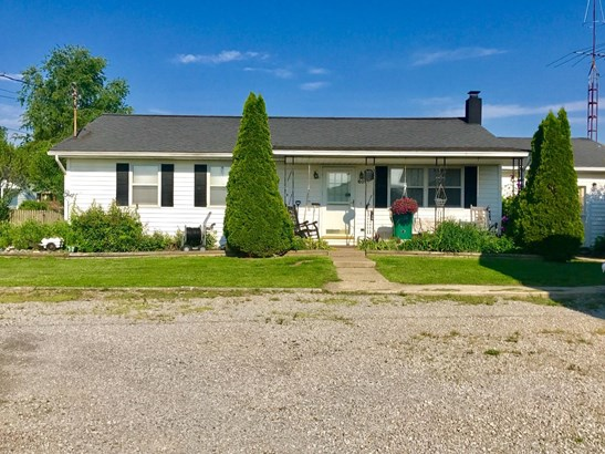 Single Family Residence, Ranch - Russellville, OH (photo 1)