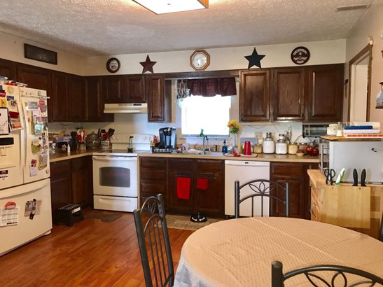 Single Family Residence, Ranch - Russellville, OH (photo 4)