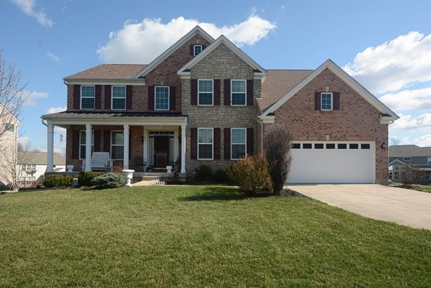 Transitional, Single Family Residence - Hamilton Twp, OH (photo 1)