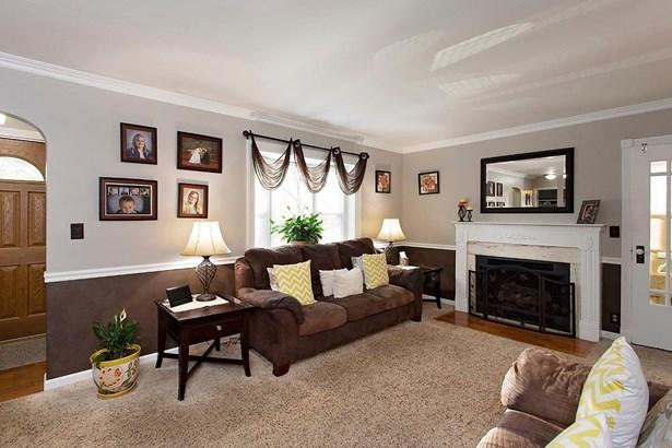 Cape Cod, Single Family Residence - Bethel, OH (photo 5)