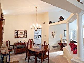 Single Family Residence, Ranch,Transitional - Loveland, OH (photo 3)
