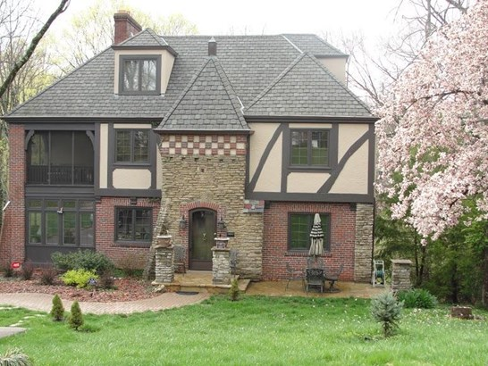 Tudor, Single Family,Single Family Detached - Park Hills, KY (photo 1)