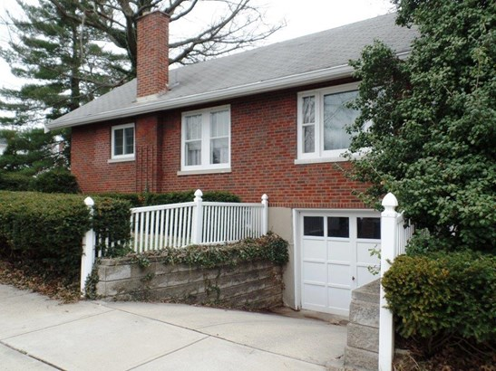 Single Family Residence, Ranch - North College Hill, OH (photo 3)