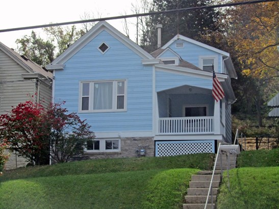 Cape Cod, Single Family,Lease/Rental Detached - Dayton, KY (photo 1)