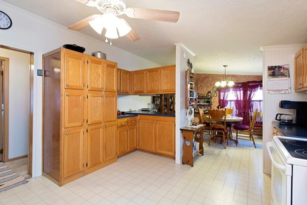 Single Family Residence, Ranch - Clay Twp, OH (photo 3)